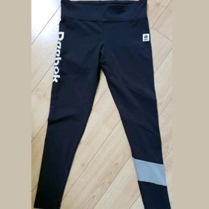 Reebox classic leggings stretch fit logo seal